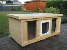 Katzenhaus groß 2 bis 3 Katzen mit Heizung Katzenklappe isoliert Hundehütte