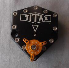 Amortiguador De Dirección Giratorio Genuino Titax Evo-1 Cuerpo Negro Con Ajustador De Oro ttxvbk