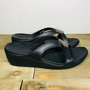 Crocs Sanrah Hammered Metallic Wedge Heel Sandals Womens Size 10 Black