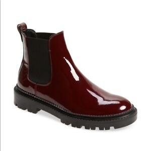AGL $490 Chelsea Combat Boot Patent Plum 39 9 NWB Lug Sole Platform
