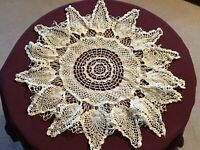 Vintage Hand Crocheted Round Large Doily, Pineapple Design,  White, Cotton 22""