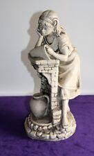 Keramikfigur Frau beim Lesen grau weiß signiert A. Garcia H ca. 32 cm