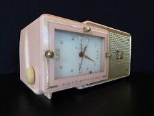 VINTAGE 1950s OLD PINK BULOVA MID CENTURY MODERN ANTIQUE CLOCK RADIO NO CRACKS