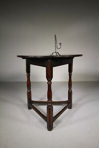 English 17th Century Antique Oak Cricket Table – Fine Example