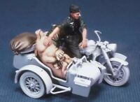 1/35 Resin Figure Model Kit German motorcycle rider with a pig no moto Unpainted