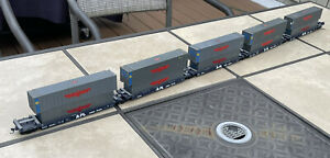 5 Unit 40' APL Intermodal Well Cars HO Scale W/10 Containers!
