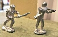 (2) Cast METAL SOLDIERS Silver Color CIVIL WAR Bayonet Musket Gun Rifle 2.25""