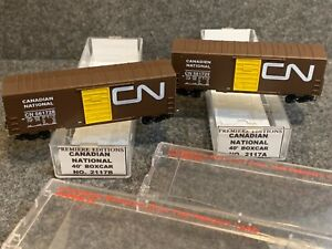 2 N Scale Premiere Editions Canadian National 40' Single Door 2117A/B CN 561728