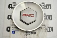 2004-2006 GMC Envoy Silver Center Wheel Hub Cap new OEM 9594937