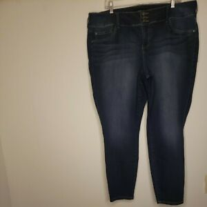 Torrid Women's Denim Blue Jeans 22R Plus Size Stretch Skinny Cropped Whiskered
