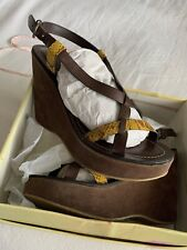 Womens Brown Suede Wedge With Yellow Snakeskin Strappy Sandals Size 8