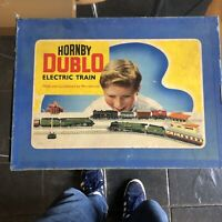 Hornby Dublo 3-Rail EDG18 BR 2-6-4 80054 Tank Goods Train Set