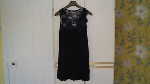PURPLE : SLEEVELESS BLACK PUFF DRESS with LACE BODICE : Size 12 : NEW WITH TAGS