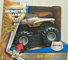 2016 Hot Wheels Monster Jam Truck Rev Tredz Monster Mutt 1:43 NEW 3+
