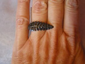 Black Spinel Fern ring, Size L/M, 0.34 carats, in 2.7 grams of 925 Sterling Silv