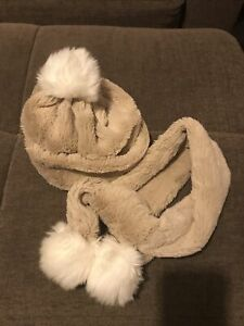 Jellycat Bashful Bunny Childrens Hat and Scarf. With Bunny Pom Poms. Very Cute