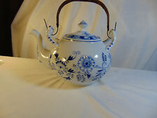 Meissen Blue Onion Teapot w/ Bamboo handle