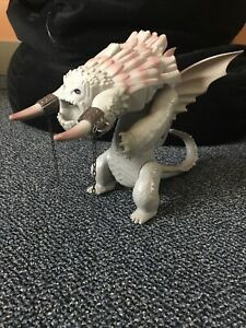 BEWILDERBEAST TOYS-R-US EXCLUSIVE HOW TO TRAIN YOUR DRAGON 2 ACTION FIGURE WORKS