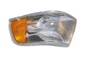 Turn Signal Light Front Left OEM# 9178229 fits 95-97 Volvo 960