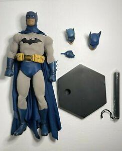 "Sideshow 100090 Gotham Knight BATMAN 1/6 12"" Scale Figure - SEE DESCRIPTION"