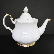 Royal Albert Val D'Or Tea Pot 6 Cup Finial White Gold Bone China English