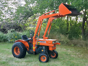 Kubota L245 25HP Diesel Powered Gear Driven Tractor With Loader Only 979 Hours!
