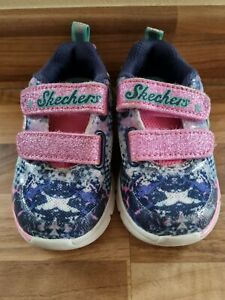 Baby Girls Skechers Trainers Infant Size 4