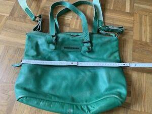 Rindsledertasche grün Taschendieb Wien