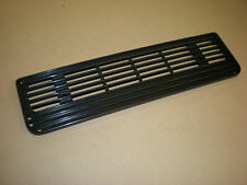 Triumph TR6 ** VENT GRILLE ** Behind bonnet on late cars - NEW 722849