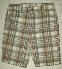 St Johns Bay Womens Shorts Size 6 Gray Green Beige Plaid Long Legged Above Knee