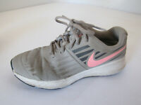 NIKE Girl's Star Runner (GS) SIZE 4 Youth 907257-002 Preowned Atmosphere Grey