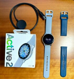 Samsung Galaxy Watch Active 2 SM-R830 40mm MINT + extra band, box