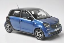 Mercedes-Benz Smart Fortwo Cabrio model in scale 1:18 black/blue