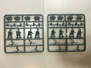 INFAMY! INFAMY! WARLORD GAMES CAESARS WARBAND WITH PILUM SPRUES - ANCIENTS