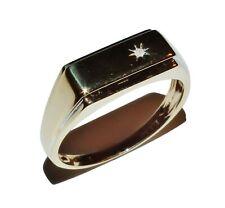 9ct Yellow Gold & Diamond Rectangular Signet Ring - UK Size: S