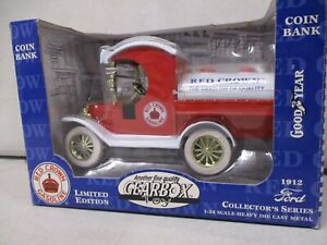 Gearbox 1912 Red Crown Ford Truck Bank 1/24 (1)