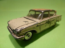 CORGI TOYS 234 FORD CONSUL CLASSIC 315 - CREAM 1:43 - GOOD CONDITION