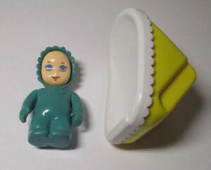 Vintage LITTLE TIKES Dollhouse Size LOT 2 Pcs BABY & CAR SEAT CARRIER