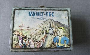 Fallout 3 Lunchbox + Broterhood of Steel Figur + 2 Wackelkopf-Figuren