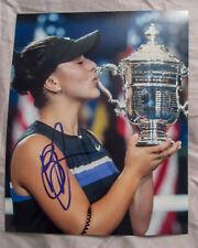 Bianca Andreescu Signed US Open Champion KISSING Trophy 8x10 Photo PROOF COA D