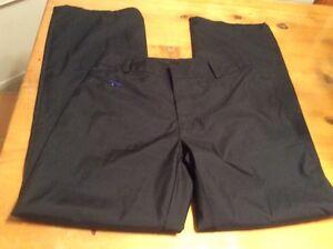 "GAP size 1 Black Nylon pants for fishing/Hiking /Camping 29"" inseam EUC"