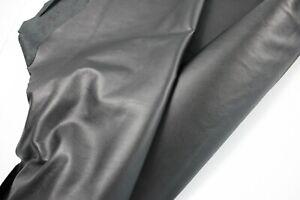 BLACK COWHIDE LEATHER / 40 sqft avarage/ 2.5 oz-3 oz (1.0 to 1.2m)