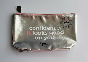 It Cosmetics Confidence It Looks Good on You Silver Cosmetic Travel Pouch/Bag A3