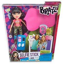 Bratz Doll Selfie Stick + Jade Set Lip Phone Holder