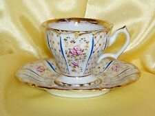 PORCELAINE DE PARIS TASSE DECOR FLORAL XIXE SIECLE VERS 1830 IMPECCABLE