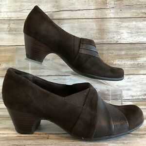 Clarks Womens 8.5M Ankle Boots Booties Brown Suede Stacked Block Heel Slip On