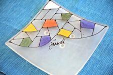 Preciosa BANDEJA de GAUDI (TRAY), en cristal translúcido y empastes de colores.