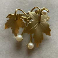 Vintage Sarah Coventry 1960's Gold Tone Grape Leaves Pearls Brooch Pin Estate!