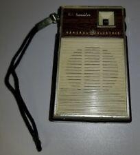 VINTAGE GENERAL ELECTRIC ALL TRANSISTOR RADIO P1758