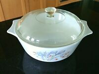 Pyrex Casserole Dish Blue Iris Lid Clear Glass 2.5 Qt Round Covered Dutch Oven